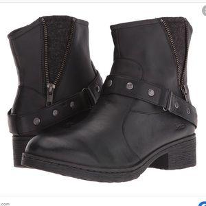 B.O.C. Eris Casual Black Boots